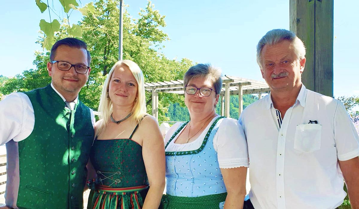 Buschenschank Familie Schweighofer2