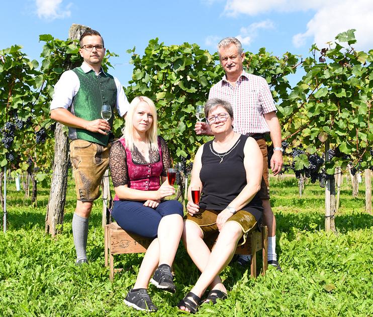 Familie Schweighofer Blumauer klein